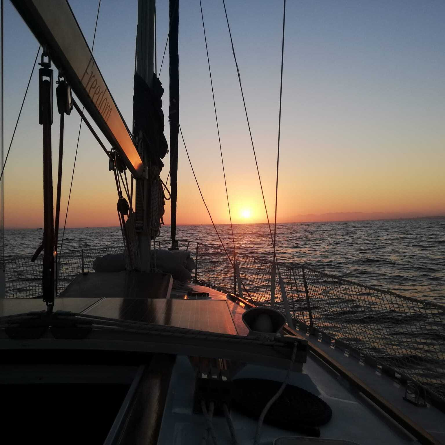 reservar velero freedom isla tabarca